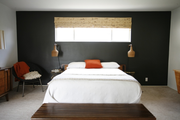 Black accent wall bedroom behr stealth jet