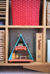 Children's kids room bookshelf toyshelf toy shelf Fisher Price A Frame Twister