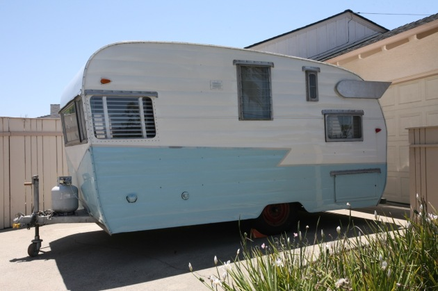 1958 Shasta Airflyte vintage trailer RV camper blue turquoise white wings blinds z strip