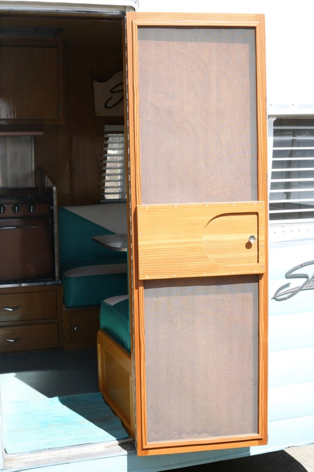 1958 Shasta Airflyte Airflyte Screen Door vintage trailer RV camper