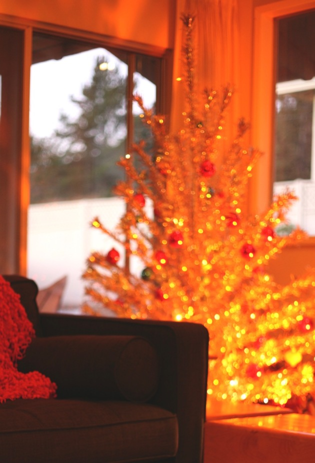 Buying A Vintage Aluminum Christmas Tree Suburban Pop