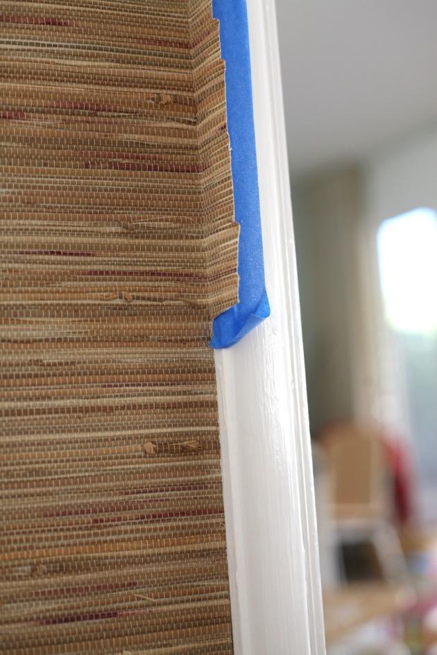 hanging grasscloth wallpaper yourself do it suburban pop. Black Bedroom Furniture Sets. Home Design Ideas