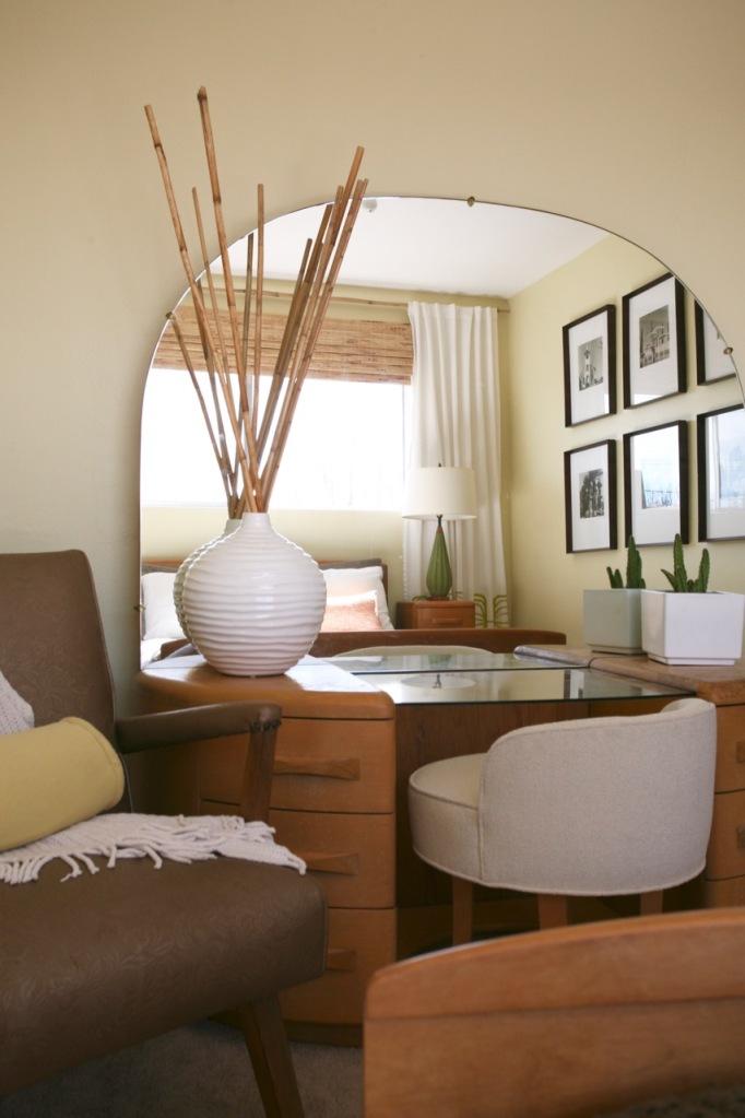 heywood wakefield vanity niagara yellow walls stool mirror