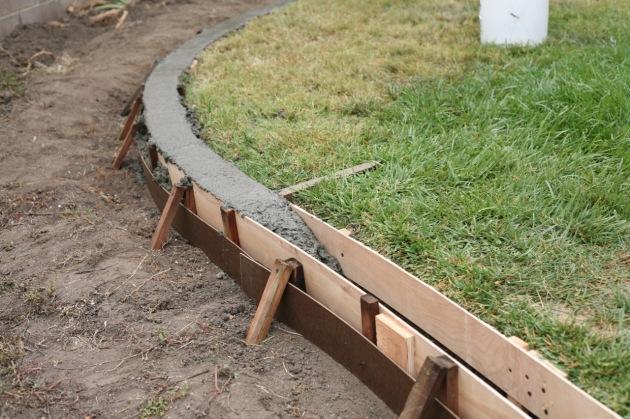 installation DIY yard curbs curbing border lawn landscape