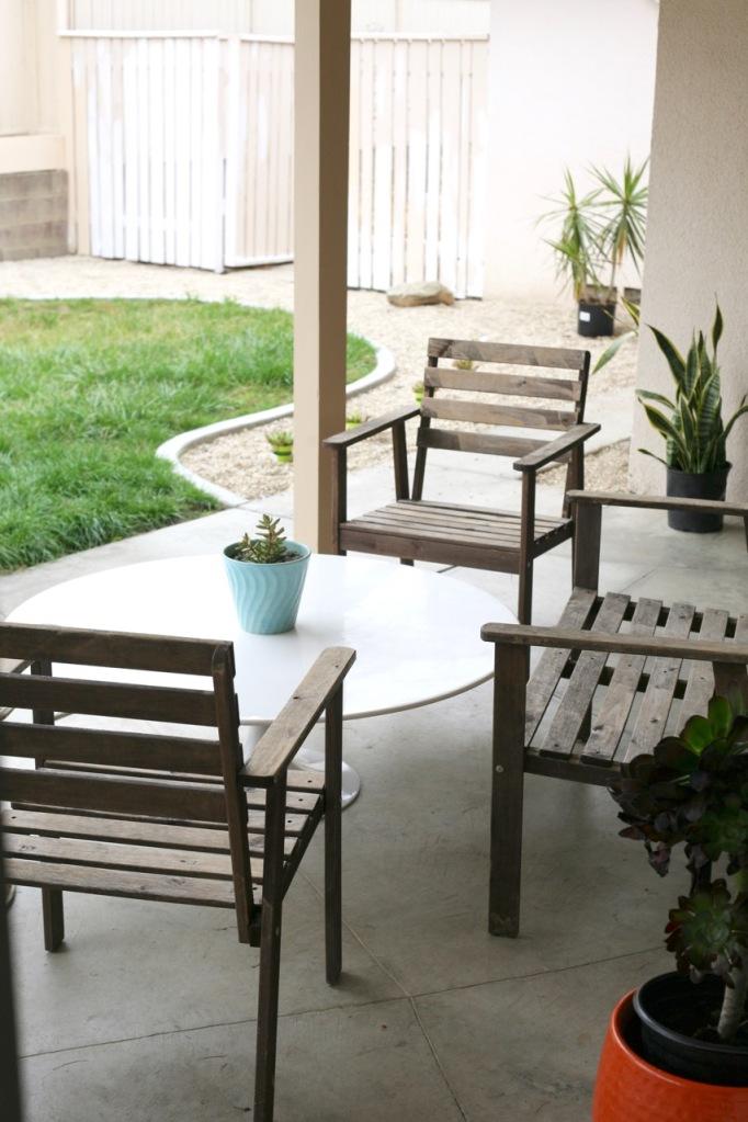mid century tulip table coffee patio saarinen burke white ikea tullero