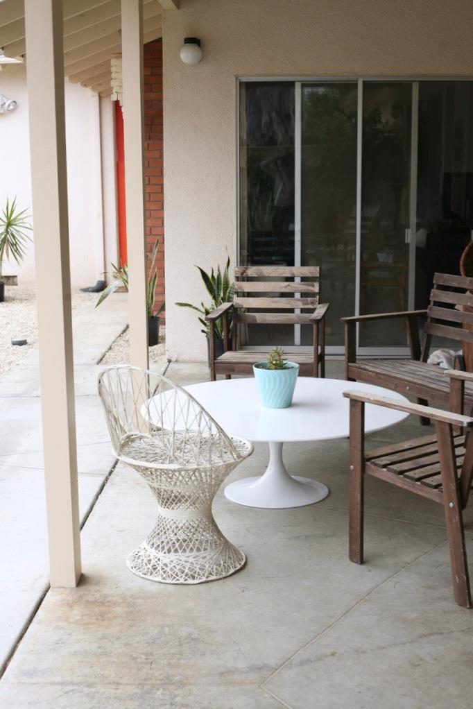 mid century tulip table coffee patio saarinen burke white ikea tullero woodard spun fiberglass chair