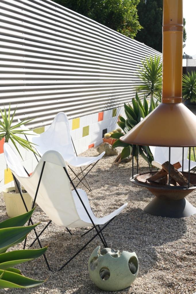 mid century modern backyard landscaping