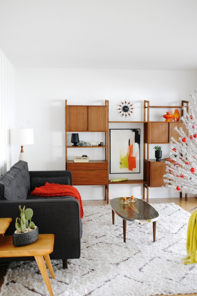 mid century family room christmas